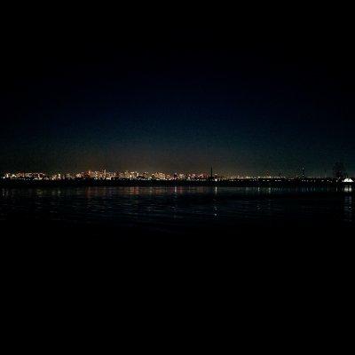 舞浜 海岸遊歩道ウッドデッキ 東京 摩天楼