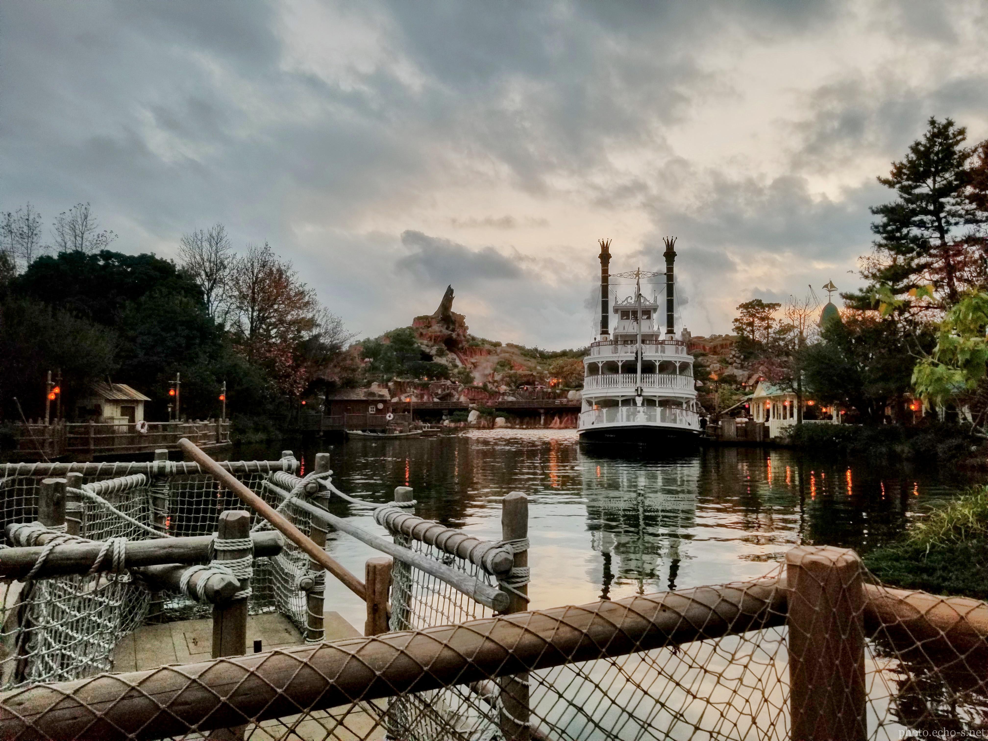 東京ディズニーランド ウエスタンランド アメリカ河 蒸気船マークトウェイン号