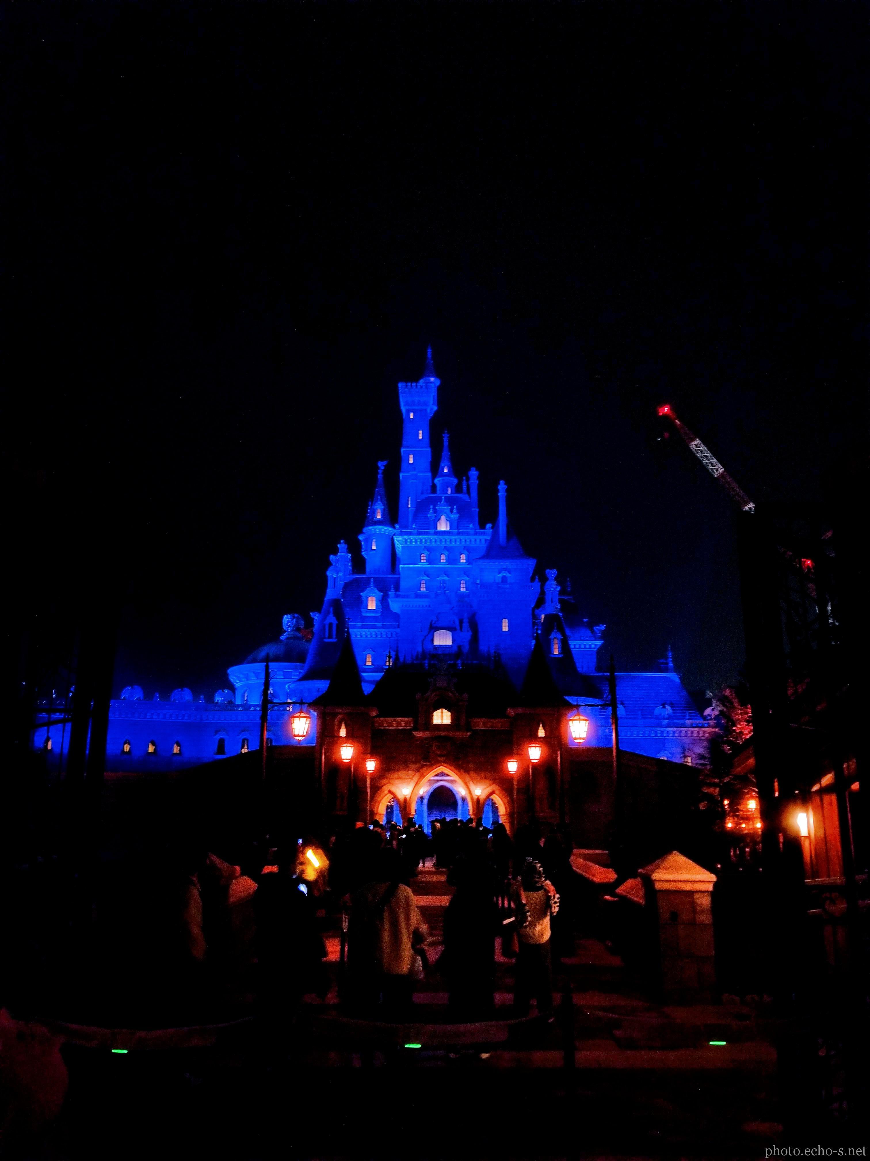 東京ディズニーランド ニューファンタジーランド 美女と野獣の城 夜