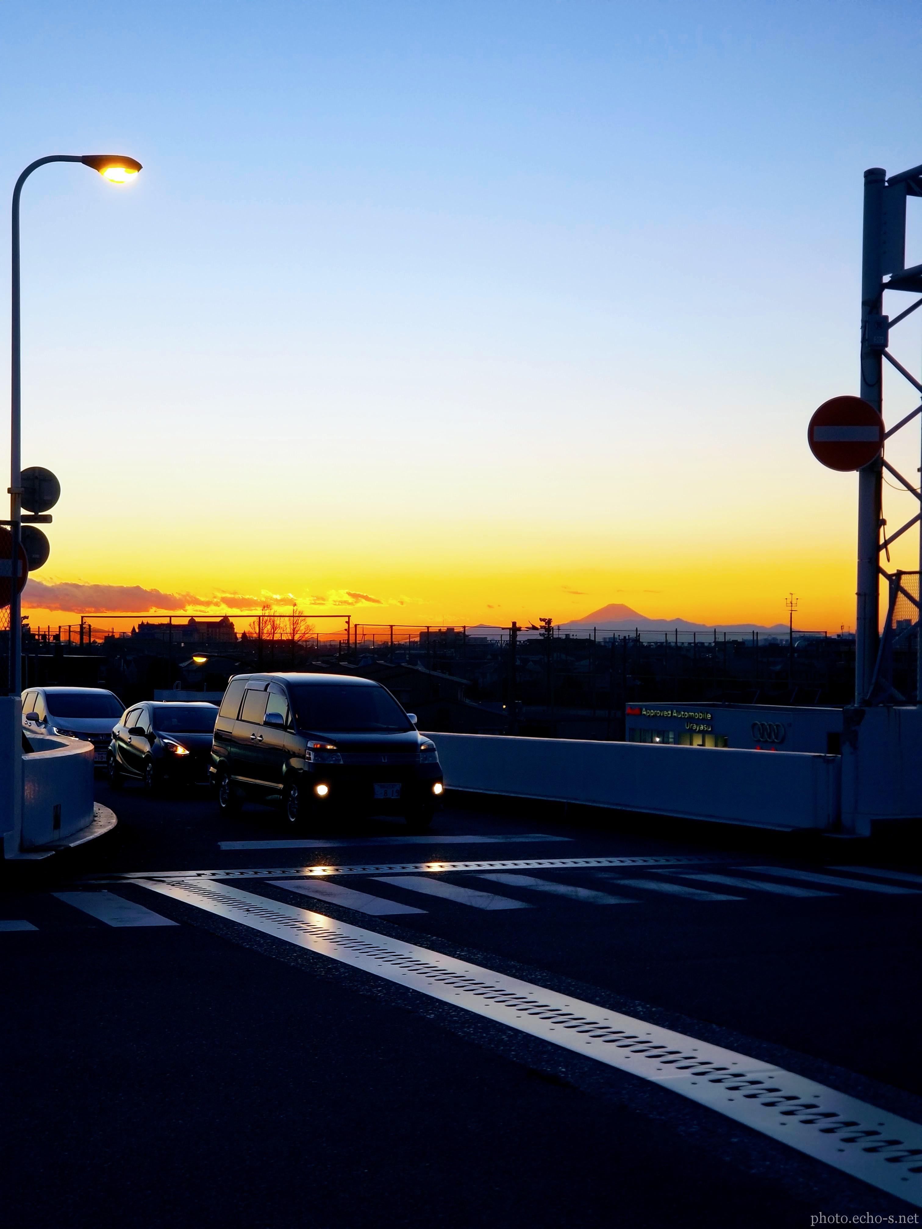 新浦安 冨岡 中央公園通り 富士山