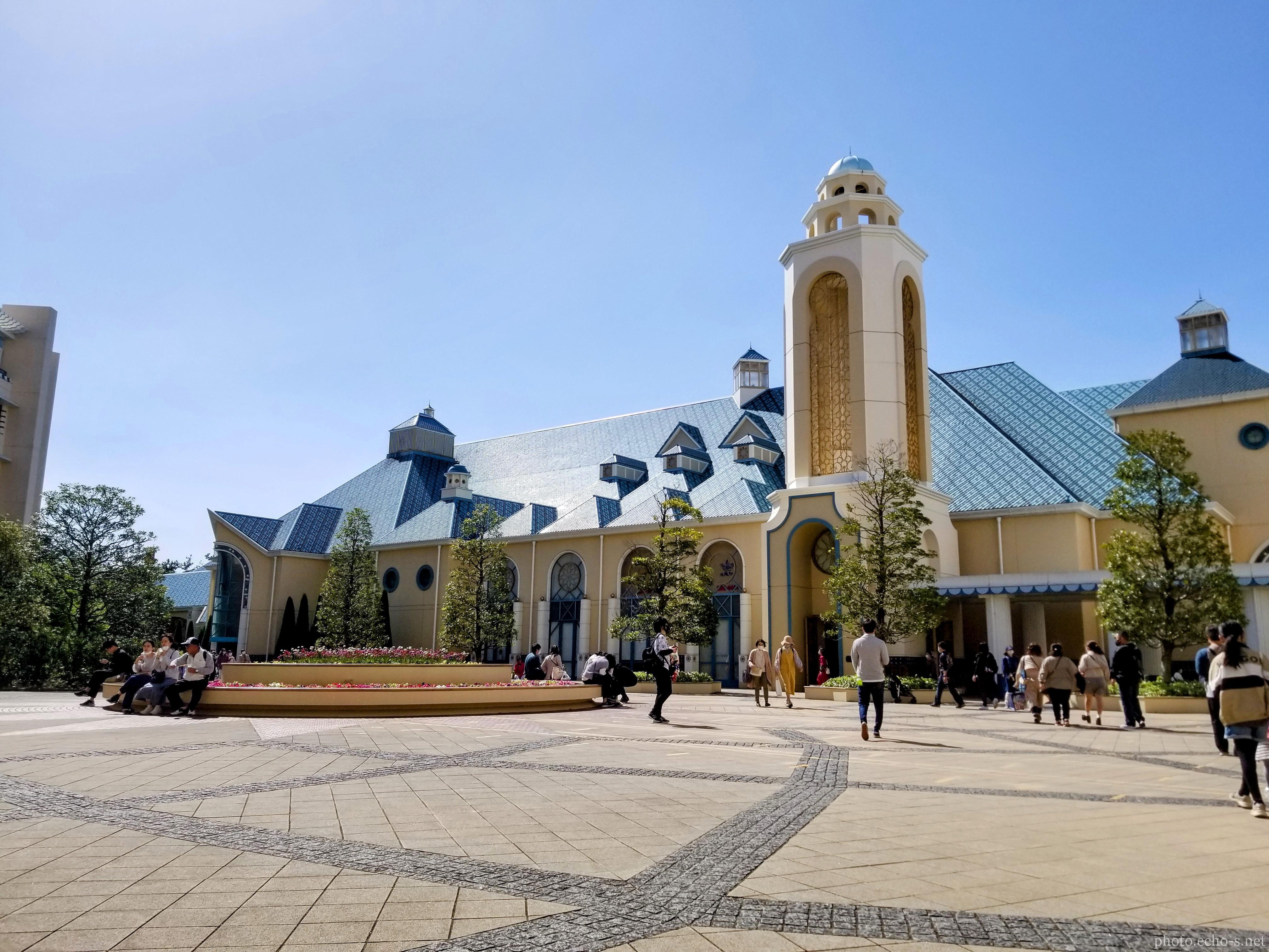 舞浜 ディズニーアンバサダーホテル中庭 イクスピアリ